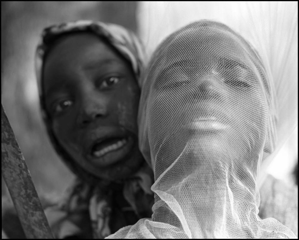 (Marker '13) Dicko Harandane 'On s'explose devant l'appareil photo'. Courtesy: Gallery Carpe diem