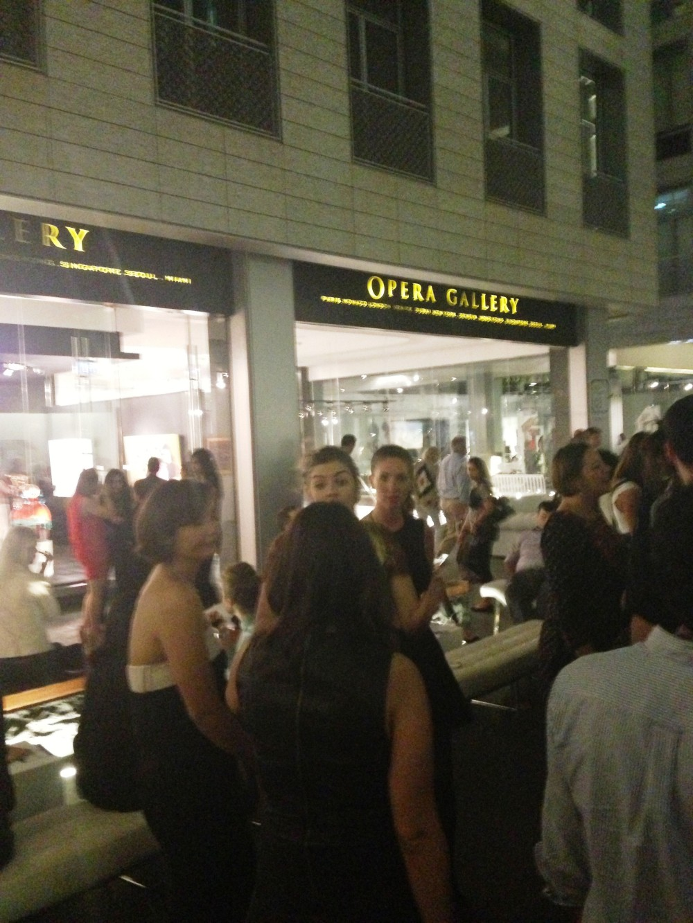Vibrant Crowd Art Night at DIFC