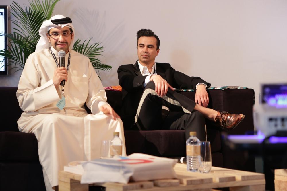 Sultan Sooud Al Qassemi, Oscar Guar speaking at Global Forum. Art Dubai 2013.
