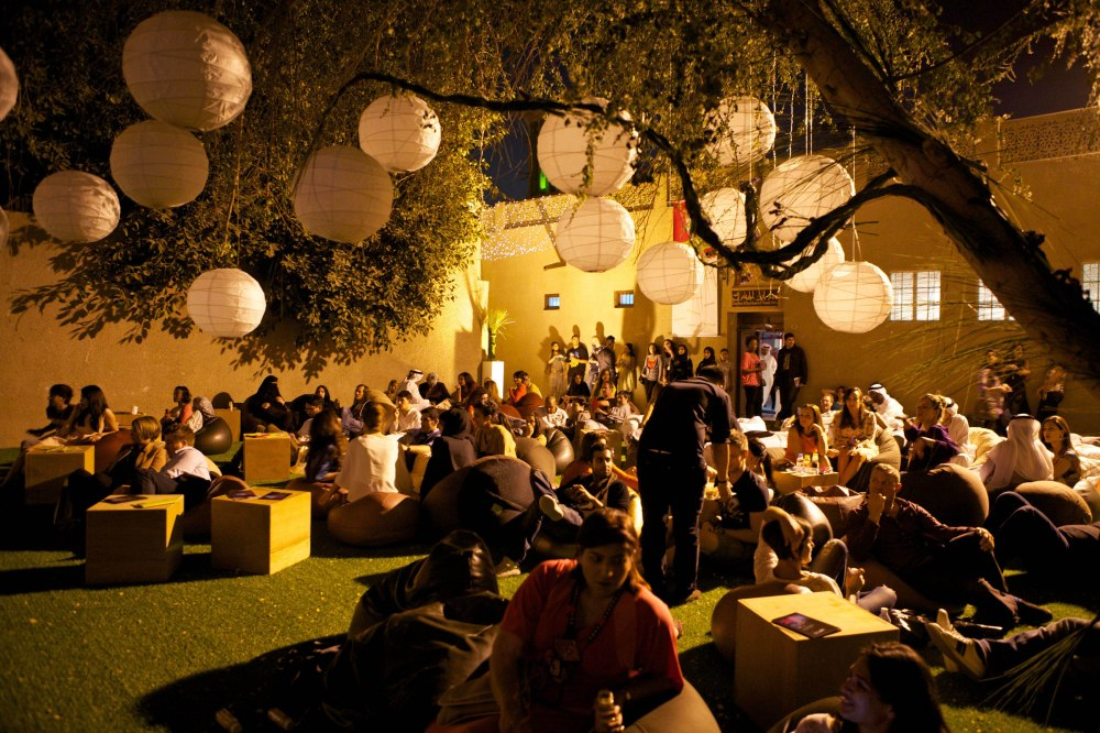 March 15th 2012 - Crowd gathers at the Bastakiya to watch performance by artist Chokra at the Sikka Art Fair, Dubai. Courtesy: SIKKA
